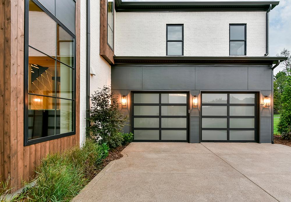 Avante Collection Residential Garage Doors
